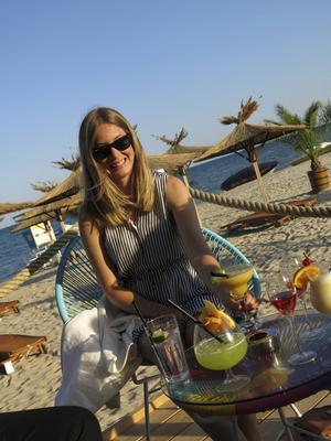 Drinkdags i solnedgången i Albena. Även om det är en familjeresort så finns det lite hålligång nattetid också.   Foto: Johan Öberg