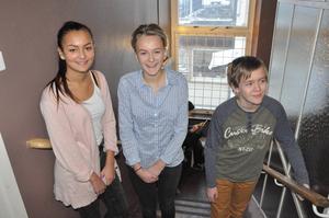 Diskussionerna i skolan blir bättre när både tjejer och killar deltar, tycker åttorna Wiktoria Nuri, Wendela Eriksson och Oscar Hugosson.
