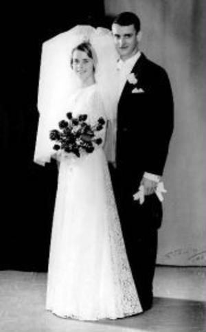 Marianne, född Fällström, och Ulf Högback, Sundsvall, firar i dag rubinbröllop. De vigdes den 6 november 1965 i Ytterlännäs kyrka av komminister Edvard Cramnert.Foto: S. Tarrin