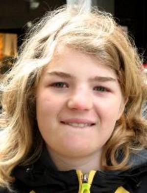 Maya  Baker, 13 år, Ås:– Ja, faktiskt. Jag ska spela fotboll, först i Hudiksvall och sedan i Östersund och i Ås. Det är cuper. Sedan blir det nog fjällen.