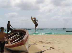 Ön Sal har kilometerlånga stränder med guldgul, mjuk sand.    Foto: Peter Backman