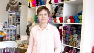 När Anette Eriksson flyttade sin verksamhet från Avesta till Krylbo blev butiksytan mindre. Men hon tycker att det fungerar bra, och kunderna verkar hitta till den nya butiken på Stationsgatan.