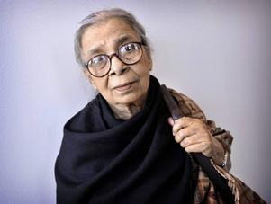 Den indiska författaren och människorättsaktivisten Mahasweta Devi avled under torsdagen.