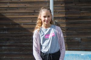 Alva Reijonen som går i årskurs 6 på Klockarbergsskolan, tycker det är kul på Sture.