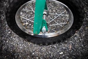 Även barncyklar med smärre upprustningsbehov finns bland tvåhjulingarna som övergetts.