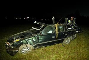 I den här bilen färdades de två män som voltade av vägen i höjd med Duvnäs natten till onsdagen. Foto: Foto-Mike
