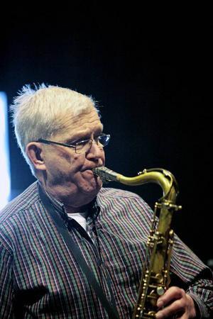 Leif Olsson har skrivit merparten av arrangemangen.