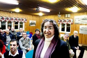 Långväga besökare. Kurdiska rådet i Gävle fick på torsdagkvällen fint besök av Ayse Gökkan, borgmästare i staden Nusaybin som ligger i Turkiet vid gränsen mot Syrien. Huvudmålet med resan till Sverige var vänorten Söderhamn, men hon gladdes också åt att hinna med ett besök i Gävle, som har relativt många kurdiska invånare.