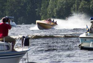 Strax innan start visade Leif-Ivan Karlsson upp sig och sin besättning.