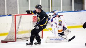 Anton Ekström sätter 2–0.