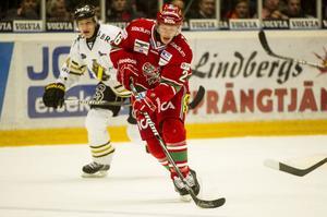 Samuel Påhlsson är tillbaka i elitserien, efter en NHL-sejour och en ofrivillig frånvaro.