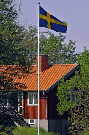 Drömmen om landet. I Västerås får den landsortsdrömmande satsa på enstaka hus. Flera hus i en by ska stoppas.foto: scanpix