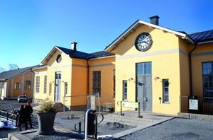 Oscars pub och restaurang får en varning av Östersunds socialnämnd.
