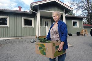 I elva månader har Elsa Karlsson från Viksjöfors längtat efter dagen då hon skulle få flytta tillbaka till Viksjöfors och nu i ett nytt hus.