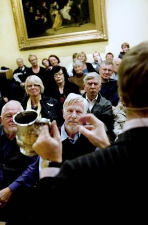 Från skitstad. Ulf Roupés ölsejdel i silver med engelsk stämpel värderades av Peder Lamm till omkring 500 kronor.