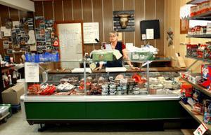Inger Engström gruvar sig för hur det ska bli när affären stänger.