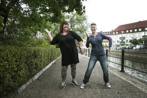 Träningen med Angelica Sjöholm, till höger, ger Johanna Smeds glädje och energi.