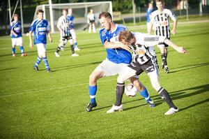 Niclas Lindström och övriga i Strands försvar satte effektivt stopp för Jerry Fast och hans Delsbo.