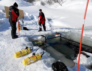 18 personer från hela Sverige, och även från Norge, deltar i expeditionen.