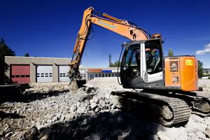 Posten i Hudiksvall flyttar in i nya lokaler nästa år. Ombyggnationerna inför flytten är i full gång.