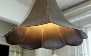 Ruffig och charmig lampa.