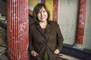 Svetlana Aleksijevitj, fjolårets Nobelpristagare i litteratur, var fristadsförfattare i Göteborg mellan åren 2006–2008. Nu får Västra Götaland fler fristadskommuner.