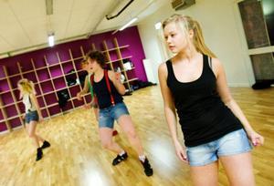 """Sandra Hallgren är med i två nummer, båda i """"Feminine vibe"""", en kaxig dans inom hiphop-genren.Foto: Ulrika Andersson"""