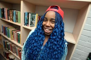 Sharon Nwajei är glad för det nya biblioteket, även om hon inte läser jättemycket.