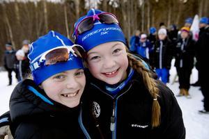 Tvåan och ettan i D13. Klubbkamraterna från Bergeforsen Agnes Öhrn och Ida Nilsson.