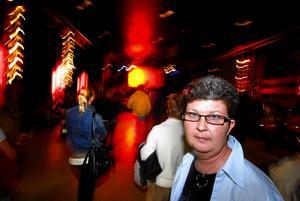 Diskuterade. Ewa-Britt Gabrielsen diskuterade det oprovocerade våldet i vårt samhälle under temakvällen mot våld – Orädd! 2007 – som arrangerades på tisdagskvällen i Falun. Hennes son Marcus blev ett offer för det oprovocerade våldet, då han sparkades ned på Kungsgatan i Stockholm den 5 maj 2005.