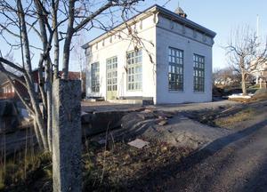 Hemma på Långgatan kan Maria Bremefors njuta i sitt pomeranshus.