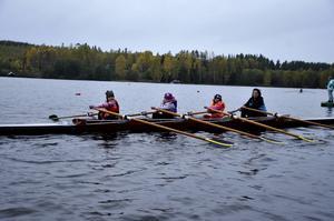 Olina Engström, Majken Samuelsson, Olivia Stranne och tränaren Veronica Källström.
