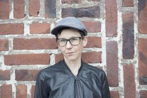 Stina Oscarson är ny hedersdoktor vid högskolan. Foto: Einar Kling-Odencrantz