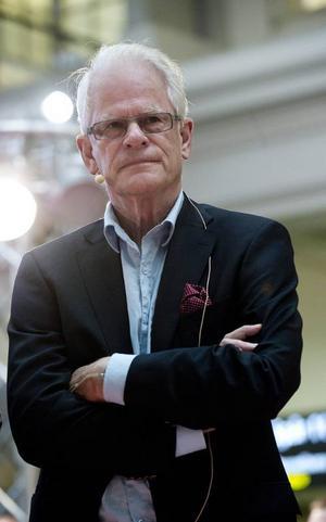 Ingvar Carlsson ger ut