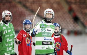 Malin Persson stannar i VSK i två säsonger till.