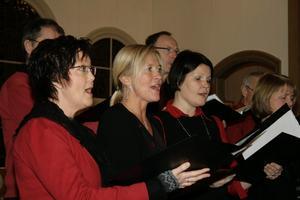 Karlskoga kammarkör sjöng ut julen i Mullhyttans kyrka.