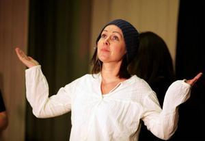 Linda Westermark är en av nykomlingarna i Sikåsrevyn som har premiär i nästa vecka