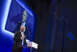 Jan Bjrklund (L) markerar: Här släpps inget SD över bron