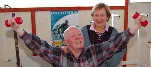 Äldst. Kicki Reijer, 80 år, och Göte Östgård, 80 år om en månad, är äldst av deltagarna i träningsgruppen.