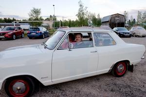 Peter Halvarsson, Elisabet Halvarsson , Mira och Himla köpte sockervadd och tog opeln hem till Sveg.