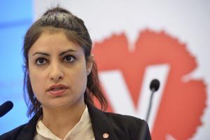 Nooshi Dadgostar kan bli Vänsterpartiets nya partiledare. Foto: Villhelm Stokstad / TT