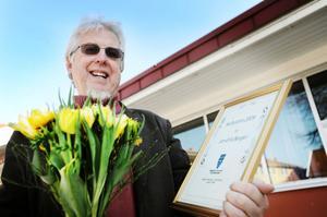 Kulturpristagaren Jan-Eric Berger hyllades med blommor, diplom och 5000 kronor.