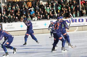 Patrik Nilsson dundrade in Bollnäs andra hörna efter tio minuter.