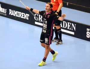 Tre av sju mål kom från Alexander Galante Carlströms klubba i segermatchen mot Växjö.