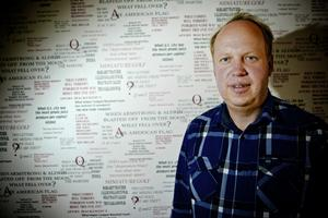 Resurserna måste öka för att man ska kunna upptäcka dyslexi tidigt, anser Holger Pettersson, ordförande i Dalarnas dyslexiförening.