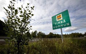En man har hittats död i en lägenhet i Timrå kommun.
