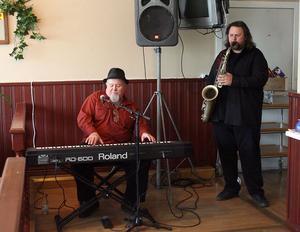 Grab your saxofon, sa Gene Taylor till Micke Finell. Och det gjorde han förstås med finess, Finell.