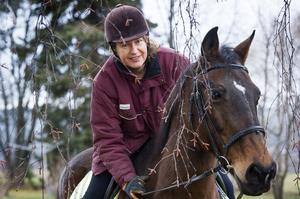 Örnsköldsviks nya oppositionsråd, Anna-Britta Åkerlind (C), har alltid gillat ridning och var i tonåren inbiten hästtjej.