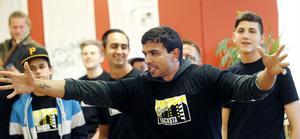 Breakdansaren Shemir Quni inspirerar tonåringarna i Nacksta.