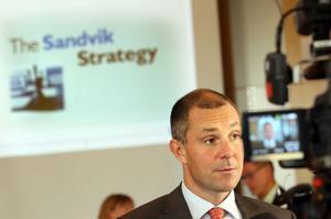 Att göra sig av med verksamheter som inte är lönsamma eller inte tillhör kärnverksamheten är en del i Olof Faxanders nya strategi för Sandvik. Då är en brist på riskkapital dåliga nyheter för Faxander och företaget.